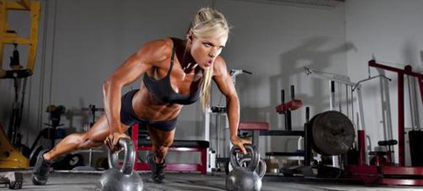 fitness-kettlebell-hot-girl